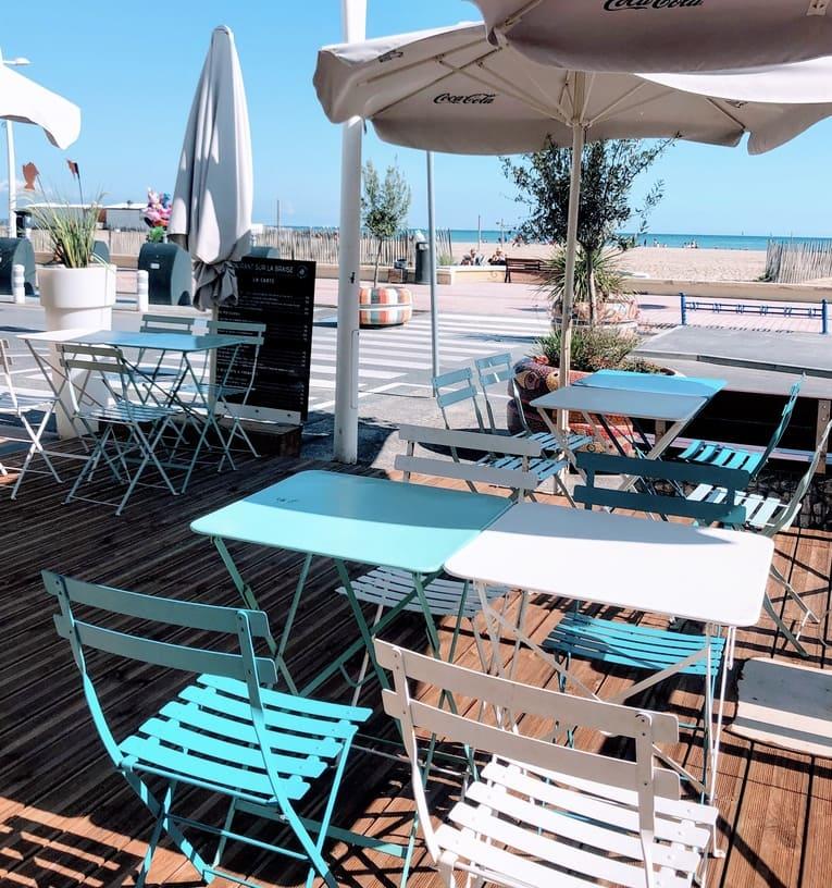 photo de la terrasse du restaurant sur la braise palavas les flots